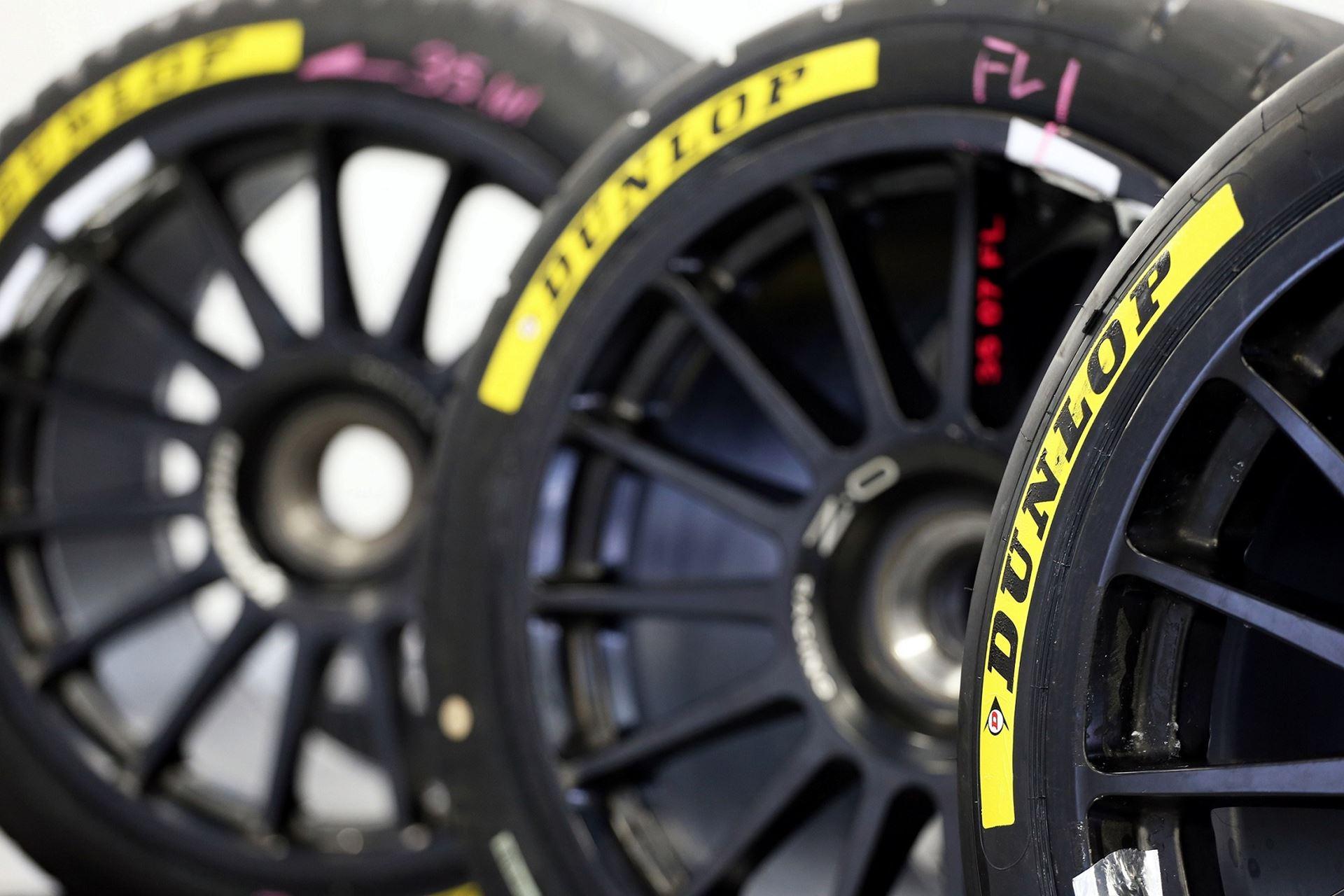 dunlop o fornecedor oficial de pneus do campeonato opel astra 2017 desporto formula 1. Black Bedroom Furniture Sets. Home Design Ideas