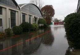 Fábrica da MV Agusta inundada