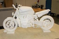 Estará a Harley a desenvolver uma V-Rod com um motor V4?
