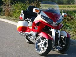"Lazareth Auto Moto apresenta uma Honda 1800 Goldwing tipo ""MP3"""