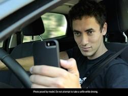 """1 em Cada 4 Jovens na Europa já Tiraram uma """"Selfie"""" Durante a Condução, de Acordo com os Dados Sobre a Distracção de Novos Condutores"""