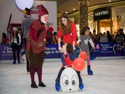O Pai Natal chegou ao Alegro Alfragide e trouxe uma pista de gelo