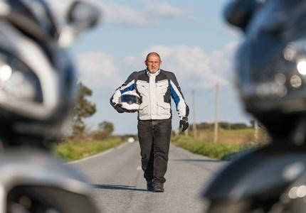 Teste de Equipamento  e Acessórios de motociclismo - Rev'it e Schuberth - Conjunto de Mototurismo para Homem