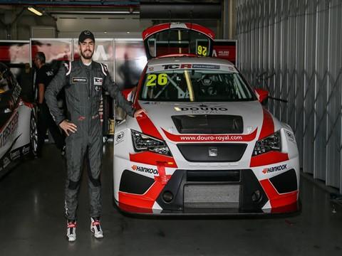 Veloso Motorsport com tridente de ataque no TCR