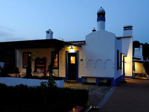 Casas de Juromenha com pack 5 noites e oferta de passeio pelo Alqueva