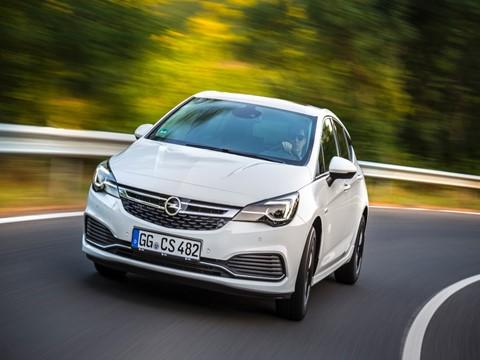 Novo Opel Astra 1.6 Turbo OPC Line chega em novembro