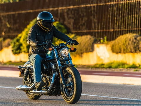 Teste Harley Davidson Sportster Forty-Eight (2016) - Power to the people
