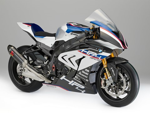 BMW HP4 Race - a anti-Ducati Superleggera!