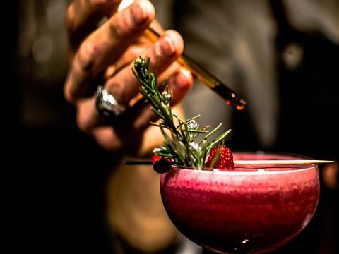 Tea Cocktail Bar Double9 celebra um ano de (in)fusões e apresenta nova carta de cocktails