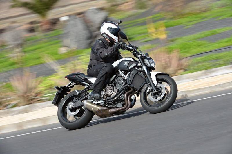 yamaha mt 07 uma moto divertida a um pre o simp tico motonews andar de moto. Black Bedroom Furniture Sets. Home Design Ideas