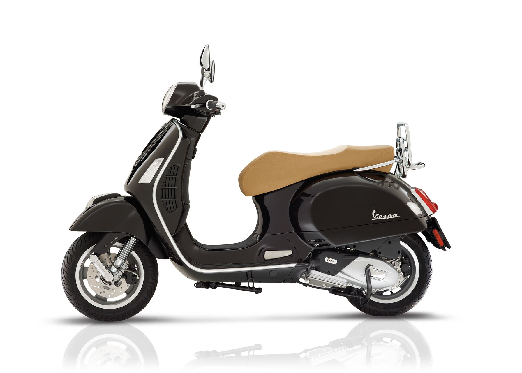 vespa gts 125 scooter gama 125cc lombas e curvas. Black Bedroom Furniture Sets. Home Design Ideas