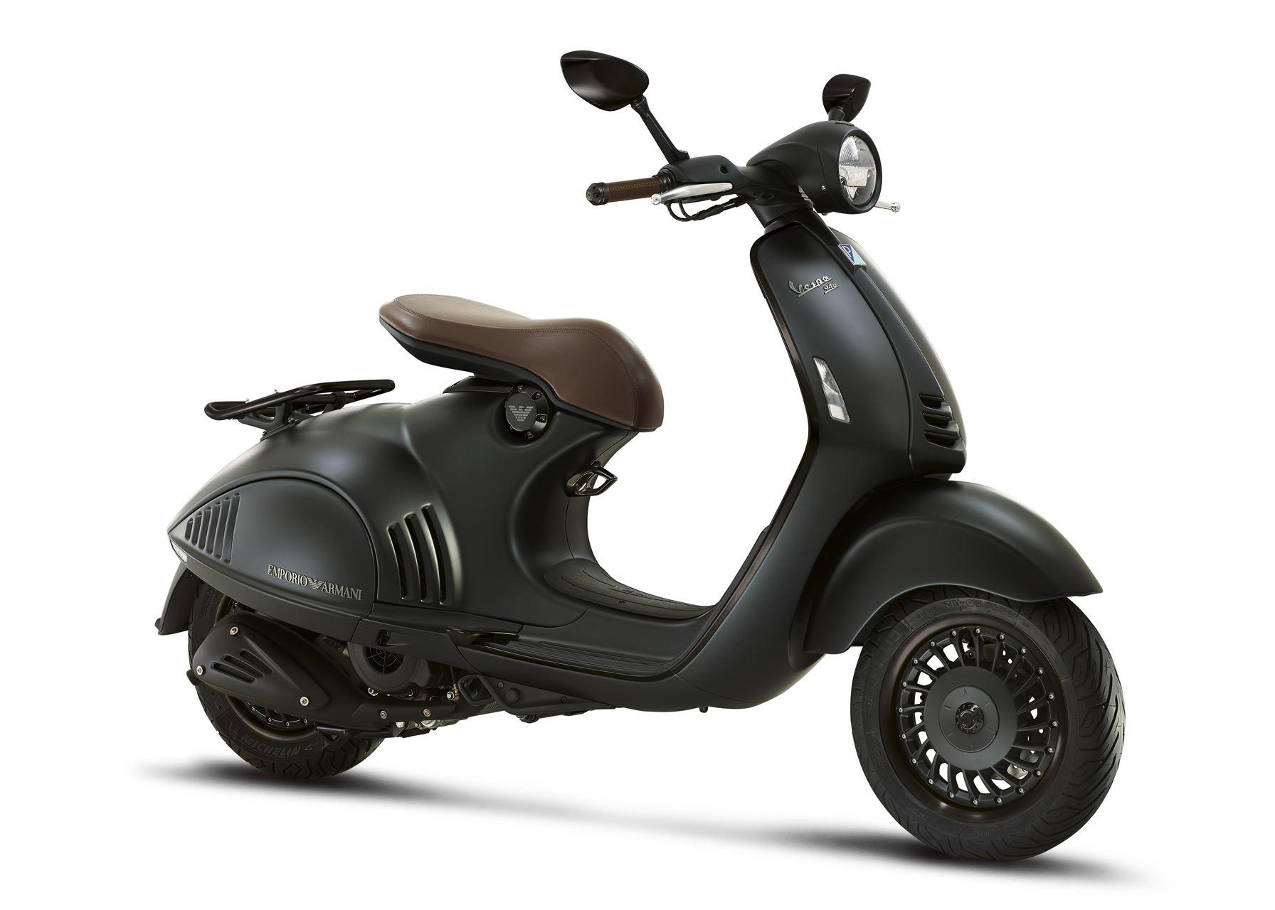 Vespa 946 125 Ea Abs Scooter Gama 125cc Lombas E Curvas