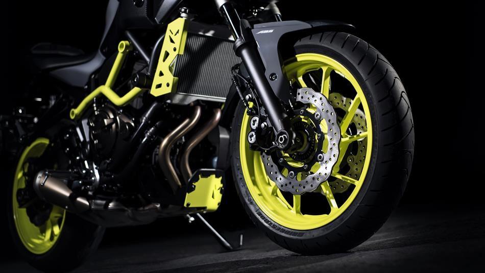 yamaha mt 07 moto cage moto mt series andar de moto. Black Bedroom Furniture Sets. Home Design Ideas