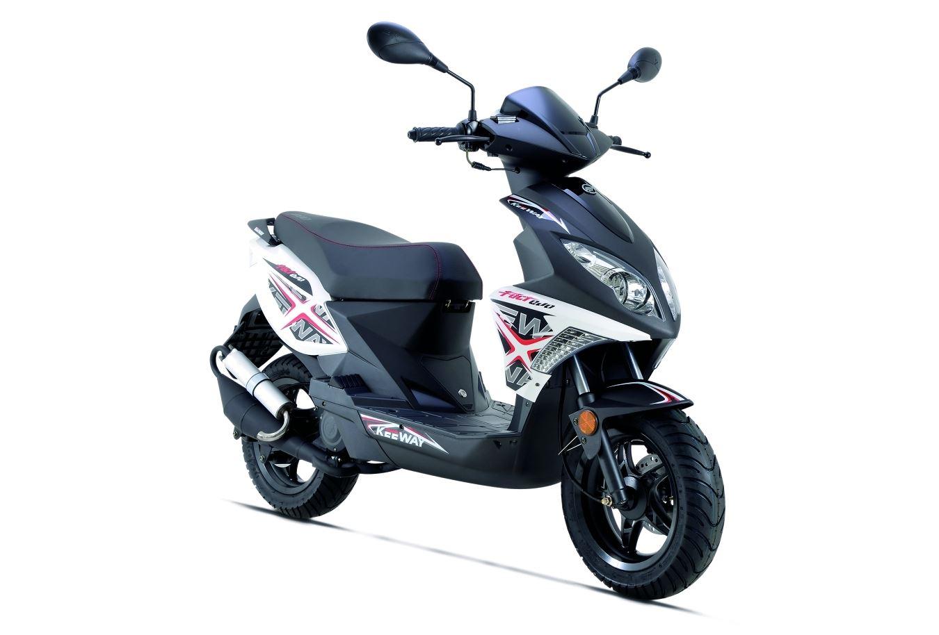 comparar keeway f act evo 50 com piaggio fly 50 2t andar de moto. Black Bedroom Furniture Sets. Home Design Ideas