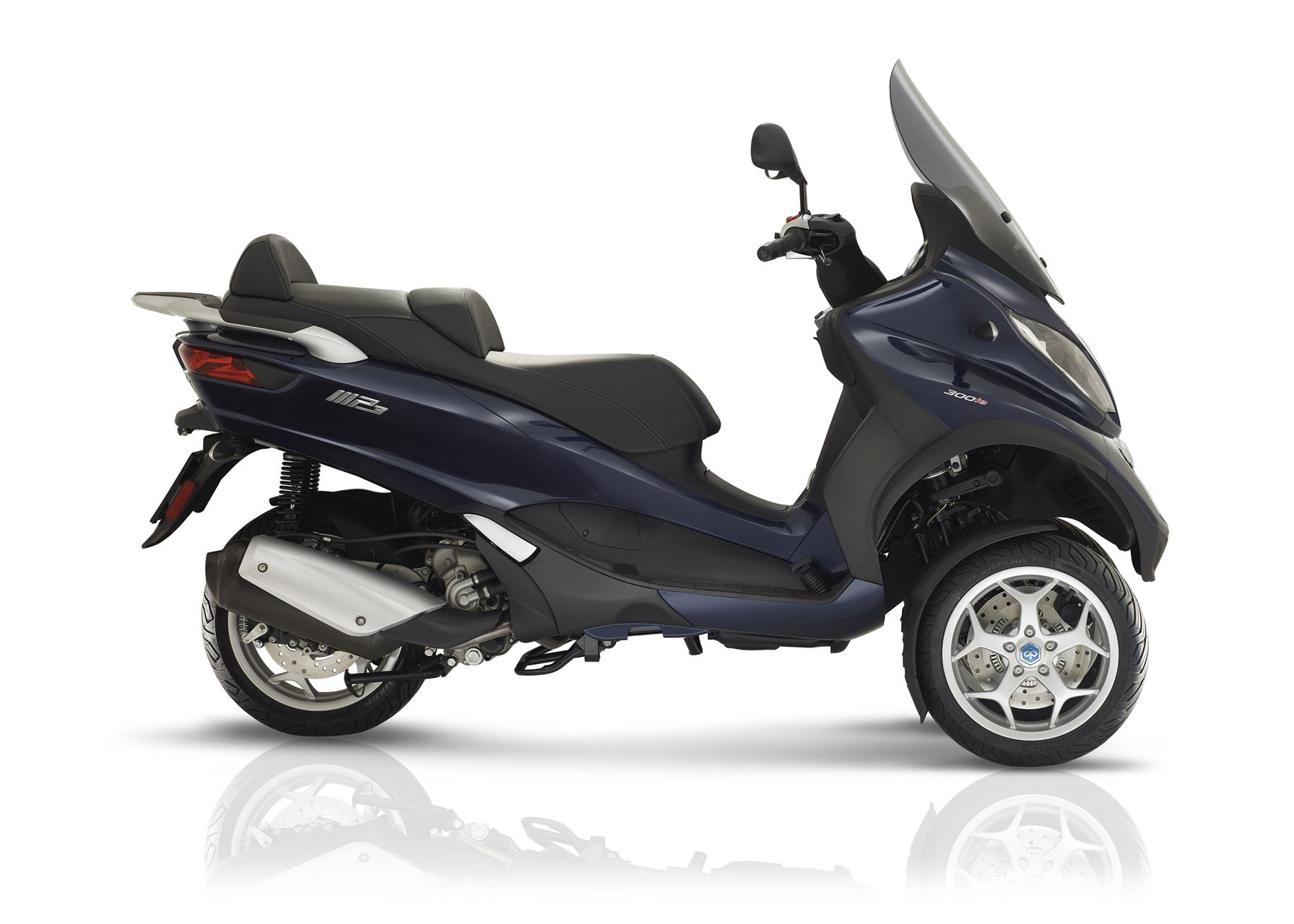 piaggio mp3 300 lt business scooter acima 125 cc lombas e curvas. Black Bedroom Furniture Sets. Home Design Ideas