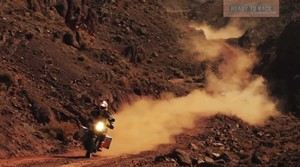 2013 KTM 1190 Adventure R action vídeo oficial