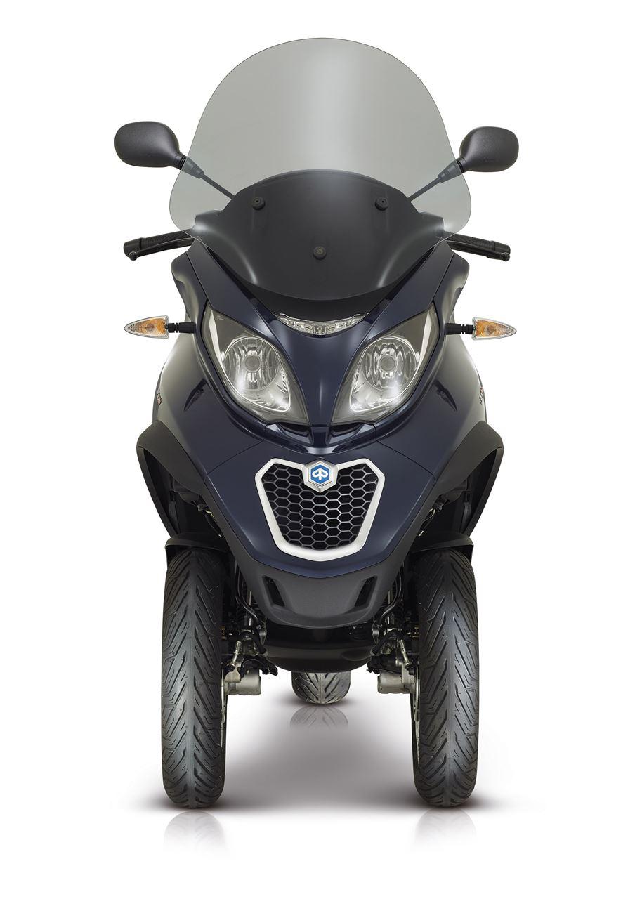 piaggio mp3 500 lt business scooter acima 125 cc. Black Bedroom Furniture Sets. Home Design Ideas